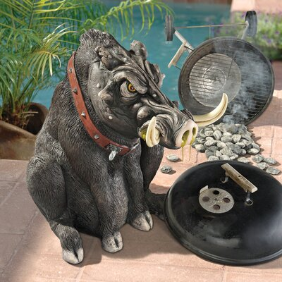 Design Toscano Bad Intentions Giant Warthog Garden Statue
