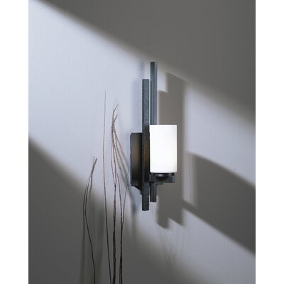 "Hubbardton Forge Ondrian 16.7"" One Light Wall Sconce"
