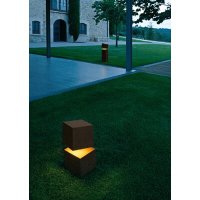 "Vibia Break 17"" Outdoor Light in Oxide Lacquer"