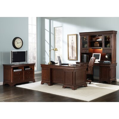 Liberty Furniture Junior Executive Standard Desk Office Suite