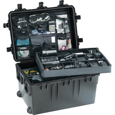 "Pelican Storm Transport Case without Foam: 19.3"" x 33.3"" x 24.4"""