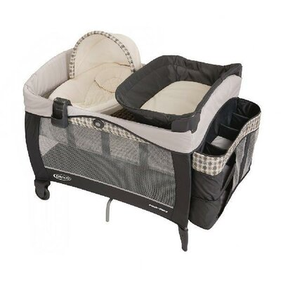Graco Pack 'n Play Playard with Newborn Napper Elite