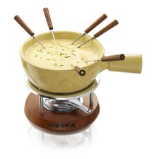 Cheesy Fondue in Mahogany Wood