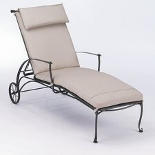 Maddox Chaise Lounge With Cushion