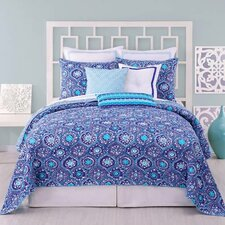 Caprice Medallion Coverlet Collection