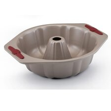 Signature Bakeware 10-in. Fluted Cake Pan