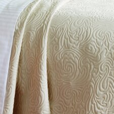 Matelassé Coverlet Collection