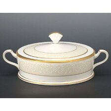 White Palace 64 oz. Covered Vegetable Bowl